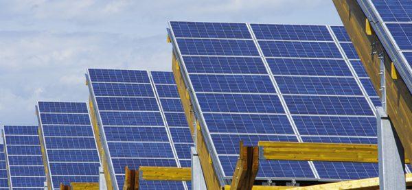 consommation panneau solaire iot photo